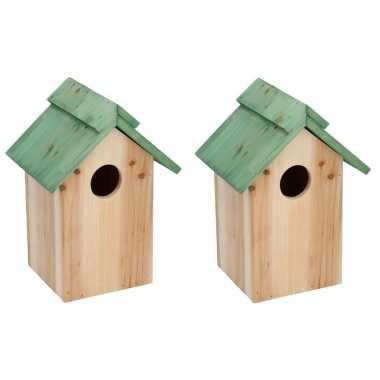 2x houten vogelhuisje/vogelhuisje met groen dak 24 cm