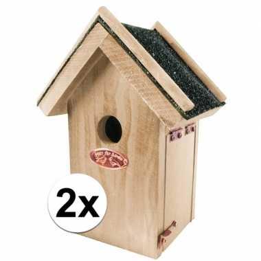 2x houten vogelhuisjes met bitumen dakje 16x22 cm
