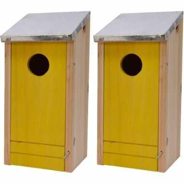 2x houten vogelhuisjes/vogelhuisjes gele voorzijde 26 cm