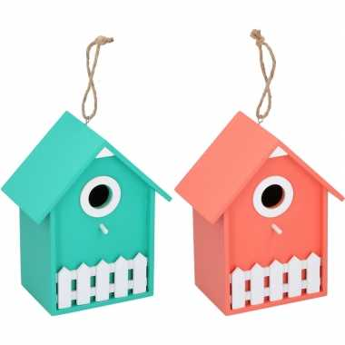 2x vogelhuisjes/nesthuisjes groen en oranje 20 cm