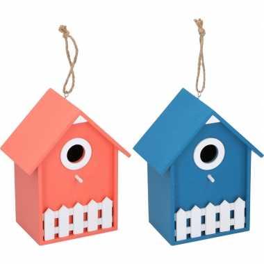 2x vogelhuisjes/nesthuisjes oranje en blauw 20 cm