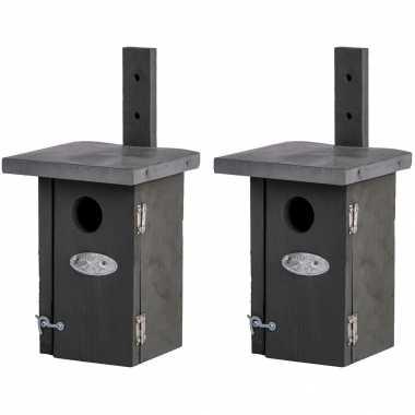 2x vogelhuisjes/vogelhuisjes voor winterkoning 25.2 cm
