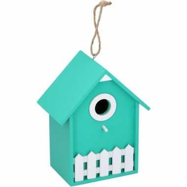 Groen/wit vogelhuisje/nesthuisje 20 cm met wit piket hekje
