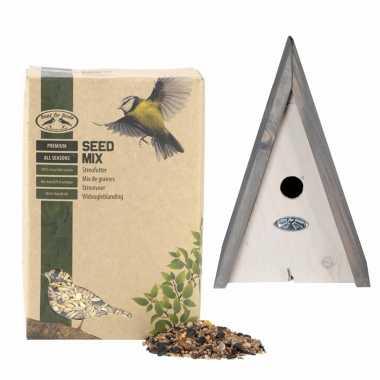 Houten vogelhuisje/vogelhuisje wigwam wit/grijs 27 cm met vogel strooivoer 2,5 kg