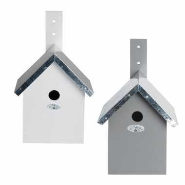 Voordeelset van 2x stuks houten vogelhuisjes/vogelhuisjes wit en grijs