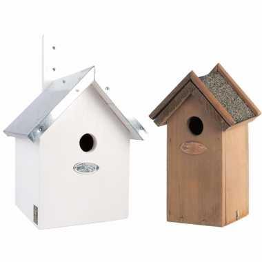 Voordeelset van 2x stuks houten vogelhuisjes/vogelhuisjes wit en houtkleur
